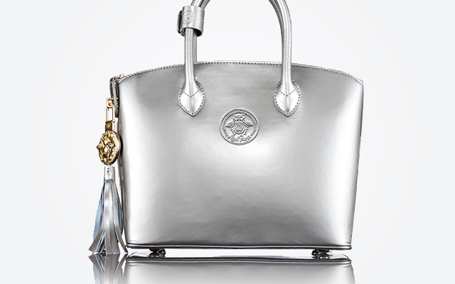 Abigail Riggs Collection<span class='secondary-title'> is an altruistic handbag company whose collection features handbags designed to honor significant and pioneering women from history.</span>